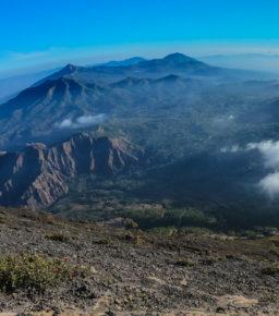 Flores i wulkan Inerie