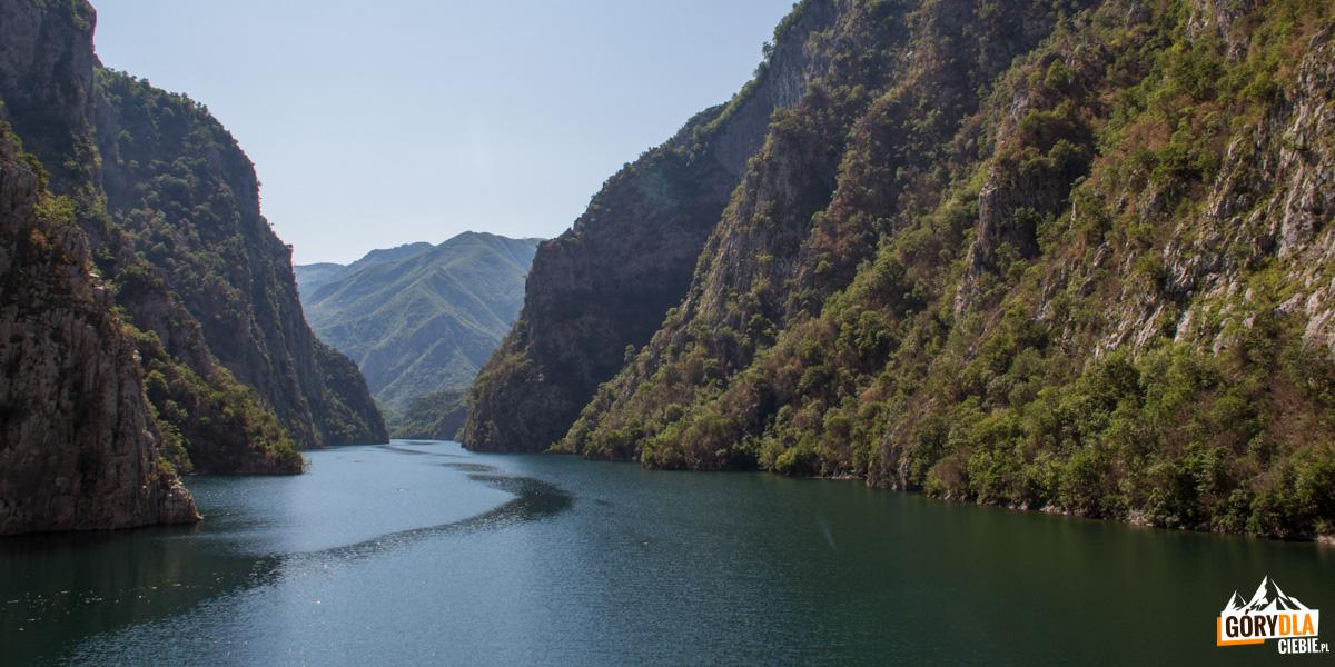 Jezioro Koman Albania