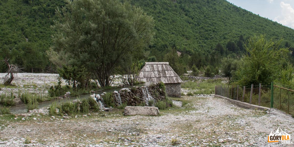 Nderlysaj - zabytkowy, wciąż działający młyn wodny