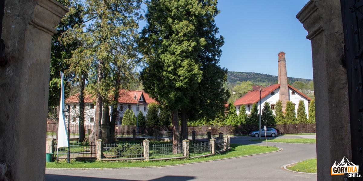 Opactwo Cystersów w Szczyrzycu - widok na browar