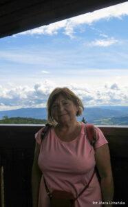 Autorka zdjęć na wieży widokowej na Modyni (1029 m)