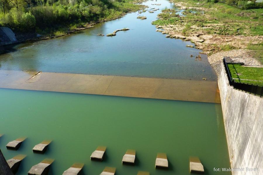 Zapora wodna w Myczkowcach